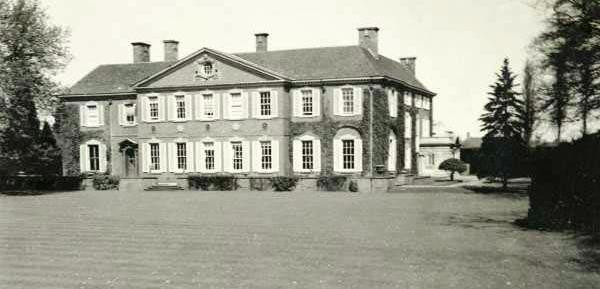 Dean Reynold's home, Caunton Manor