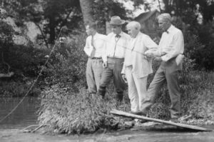 Henry_Ford_fishing,_with_Harvey_Firestone,_Christian,_and_Thomas_Edison_LCCN92503798b